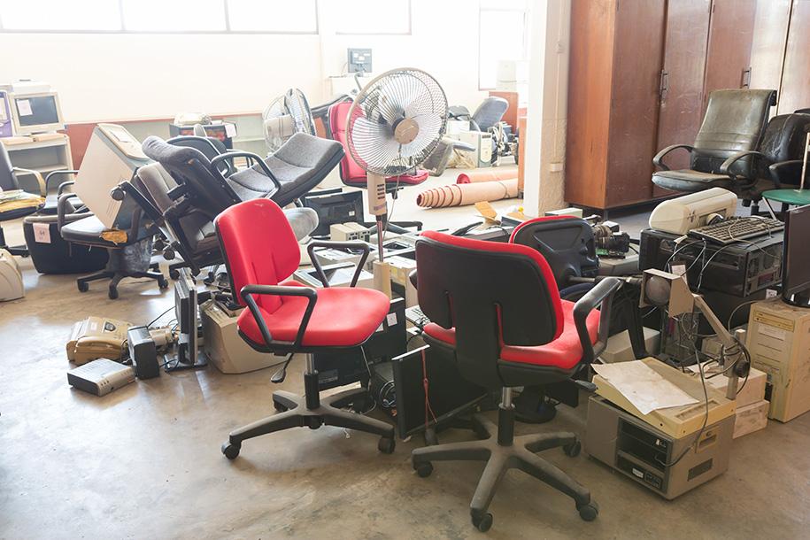 Entrümpelung Kosten – Ein verlassenes Büro – Talent Entrümpelung